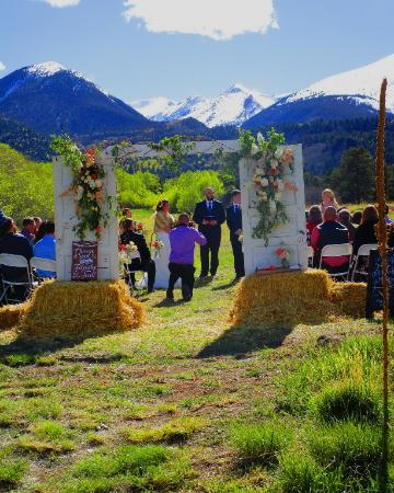 Beautiful Mountain View Wedding Venue for Rent