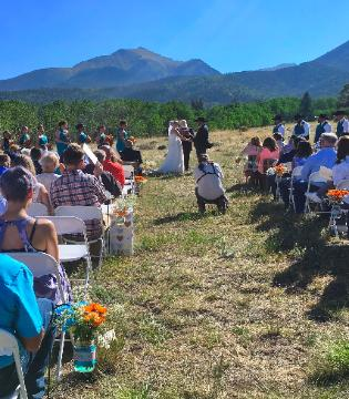Gorgeous Colorado Mountain View Weddings at the Historic Pines Ranch