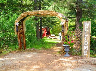 The Historic Pines Ranch Welcomes Weddings!